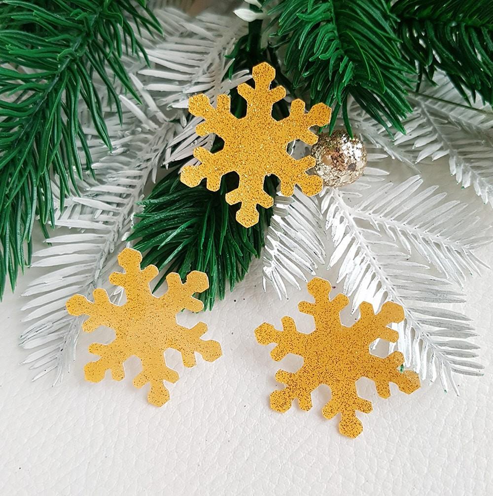 Снежинка экокожа ламинация с блестками золото 33мм